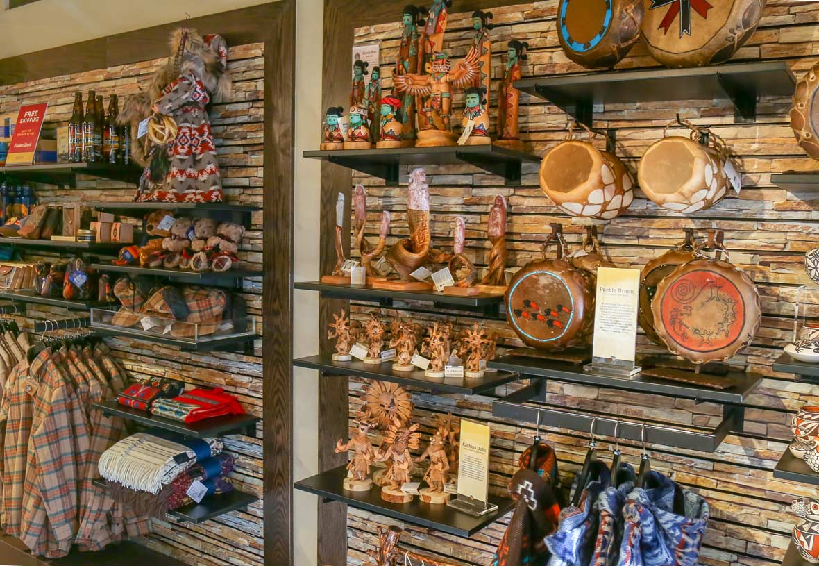 Yavapai Lodge Gift Shop   Grand Canyon Souvenirs